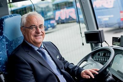 Chauffeur-Herr-Hirsch